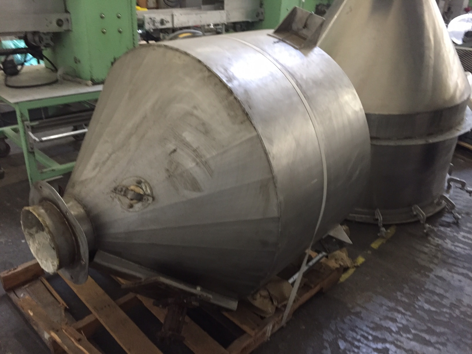 Stainless-Steel-Dry-Ingredient-Hopper.jpg